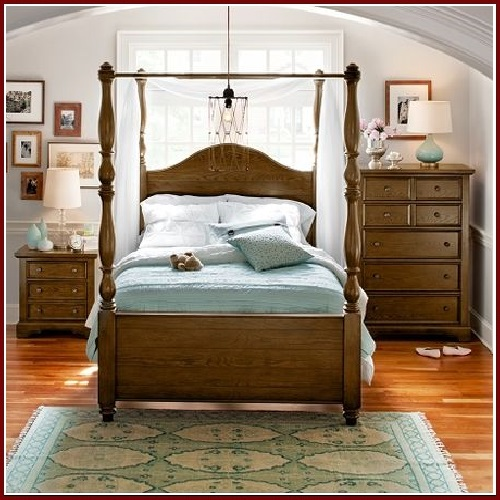 Carlyle Rustic : Giường Ngủ Queen Size